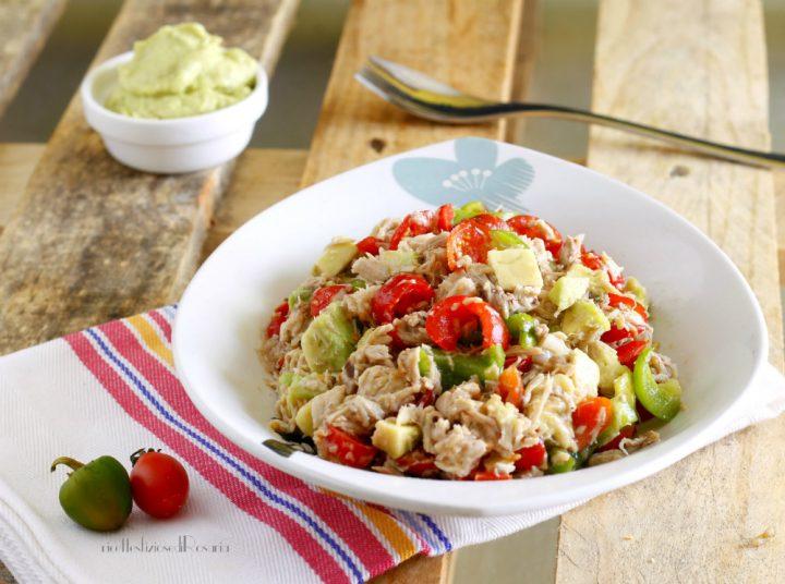 insalata di pollo con avocado