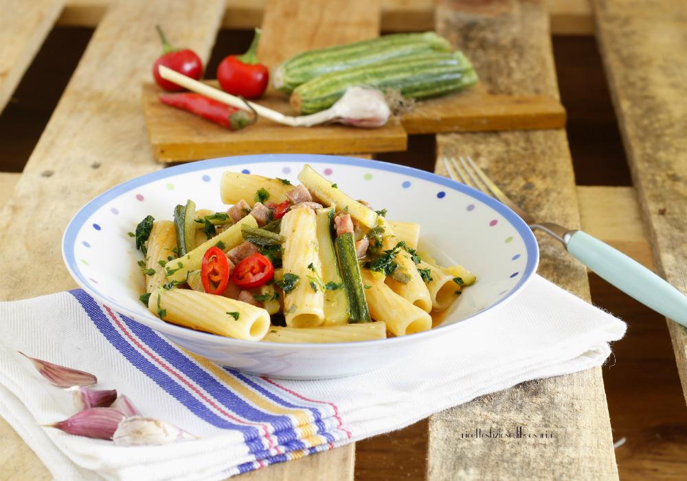 tortiglioni zucchine e tonno fresco