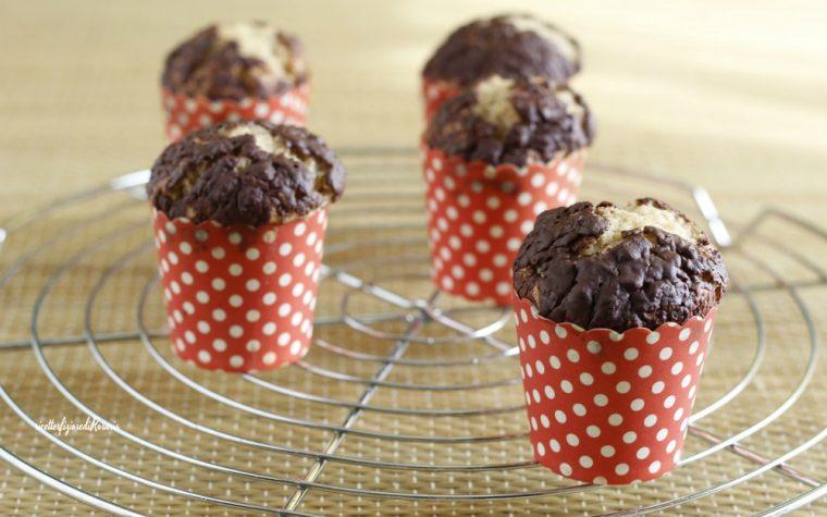 Muffins nocciola e cioccolato fondente