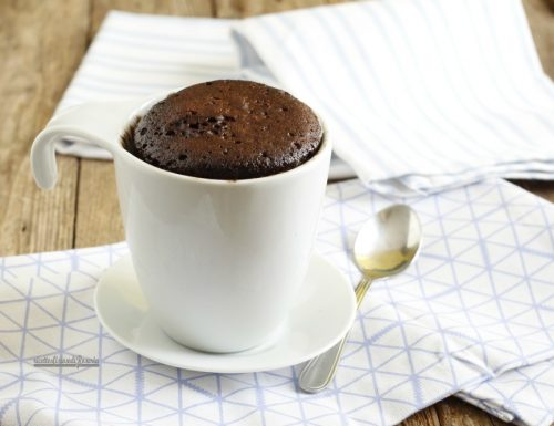 Dolce in tazza cacao e caramello