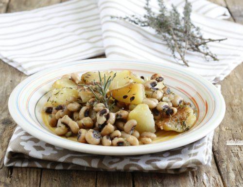Fagioli con occhio e patate in padella