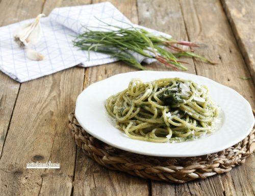 Spaghetti con agretti al limone