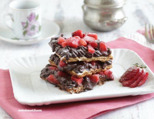 Delizia di fragole e cioccolato senza uova