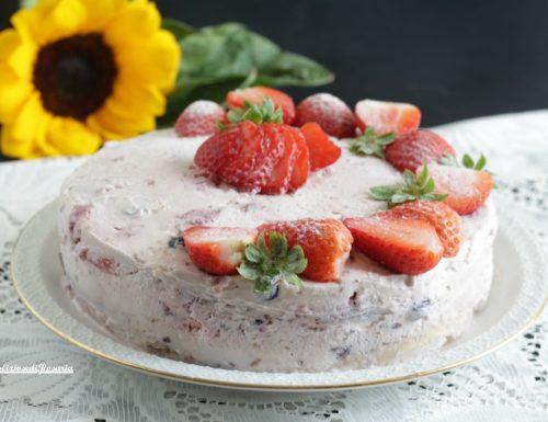 Cheesecake fragole e frutti di bosco