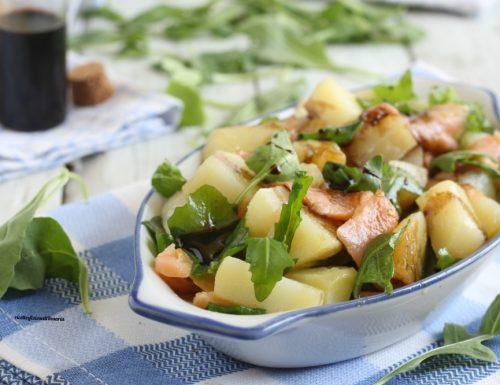 Insalata estiva di patate e salmone