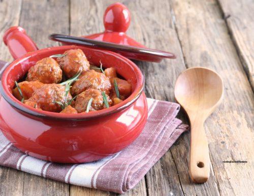 Polpette in umido con patate
