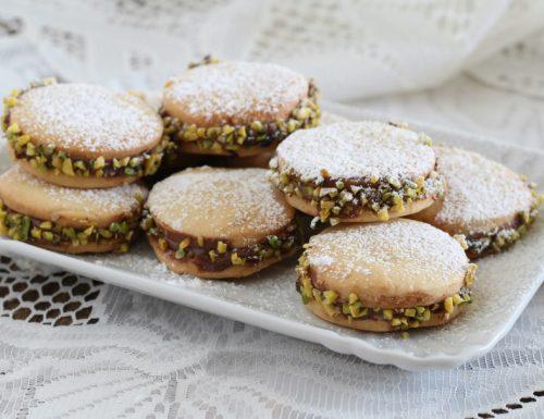 Biscotti di frolla con nutella