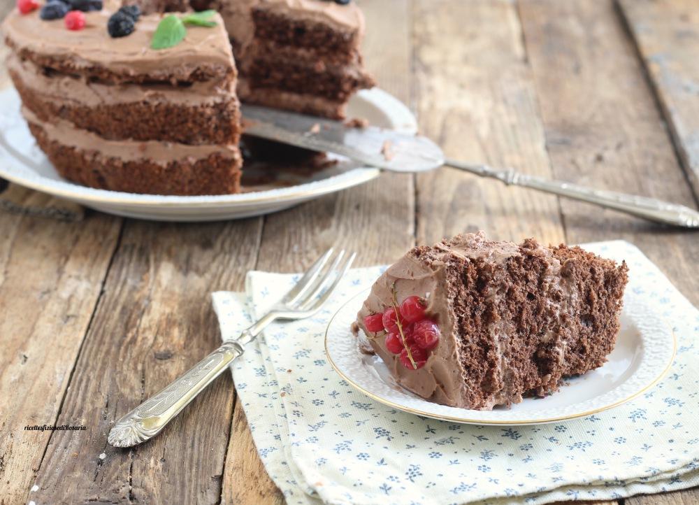 Chiffon cake allarancia, cioccolato bianco e mirtilli