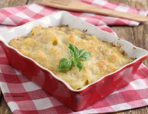 Pasta al forno con broccolo e salsiccia