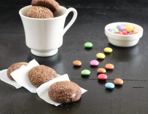Biscotti al cacao con smarties