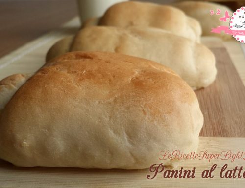Panini al latte light (109 calorie l'uno)