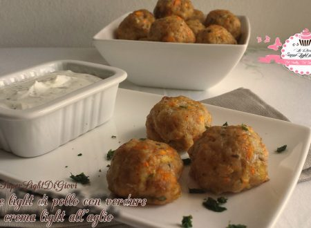 Polpette light di pollo con verdure e crema light all'aglio (31 calorie a polpetta)
