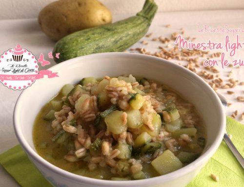 Minestra light di farro con zucchine (347 calorie)