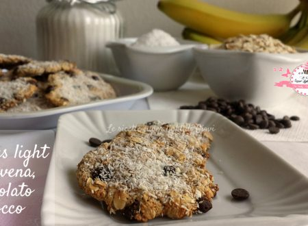 Cookies light con avena, cioccolato e cocco. (56 calorie l'uno)