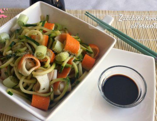 Zucchini noodle light all'orientale (106 cal)