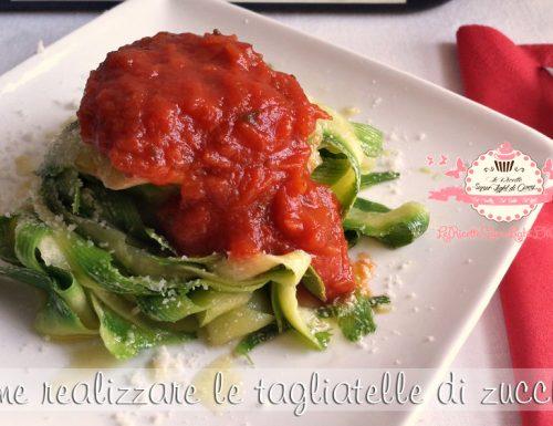 Come realizzare le tagliatelle e gli spaghetti di zucchine con un semplice pelapatate!