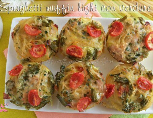 Spaghetti muffin light con verdure (107 calorie l'uno)