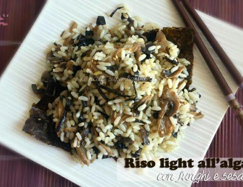 Riso light all'alga nori con funghi e sesamo