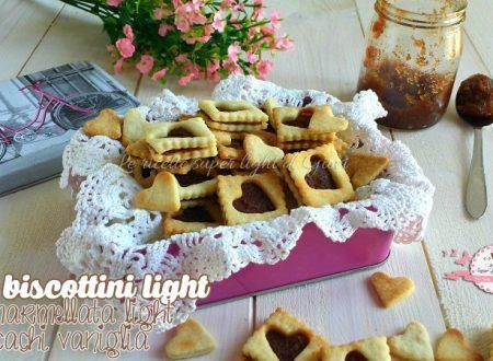 Mini biscotti light con marmellata light di cachi vaniglia