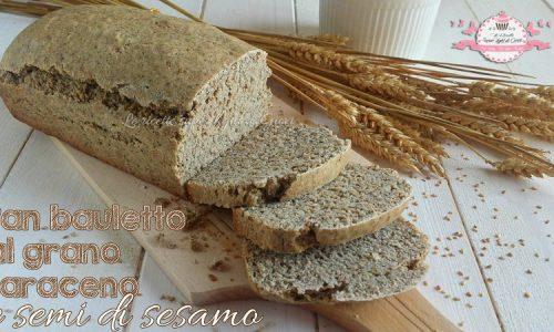 Pan bauletto al grano saraceno e semi di sesamo