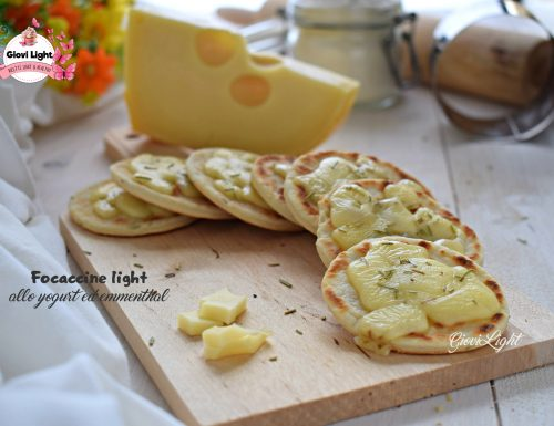 Focaccine light allo yogurt ed emmenthal