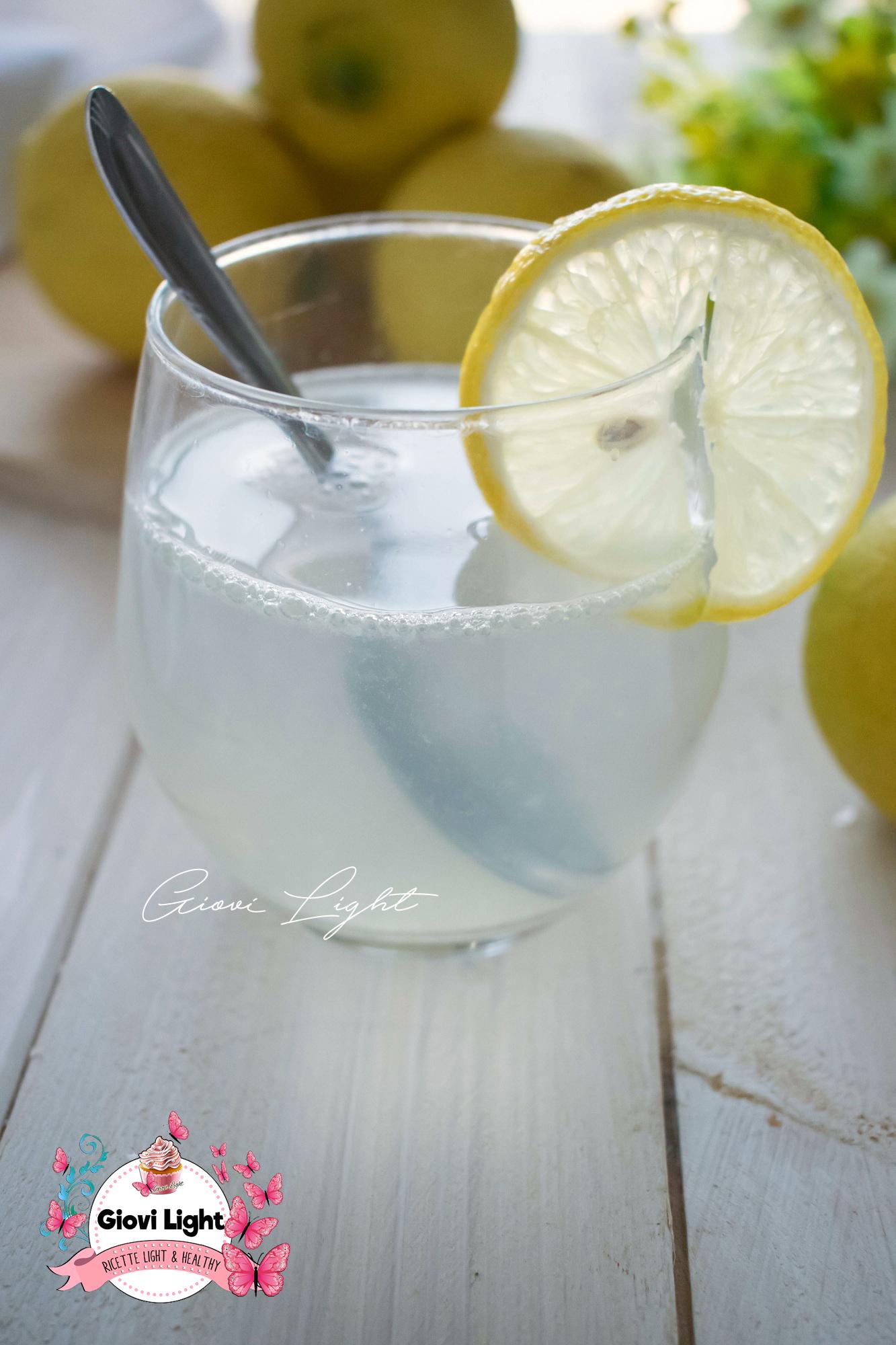 I benefici di acqua e limone, come prepararlo e quando berlo!