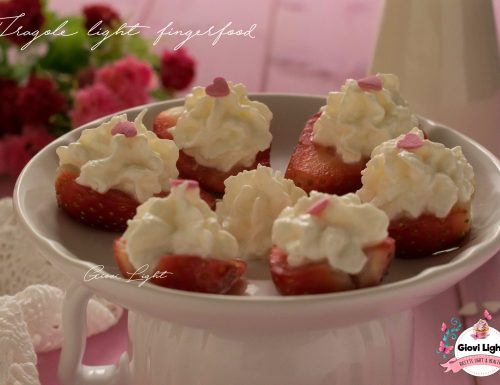 Fragole light finger food – idea per San Valentino