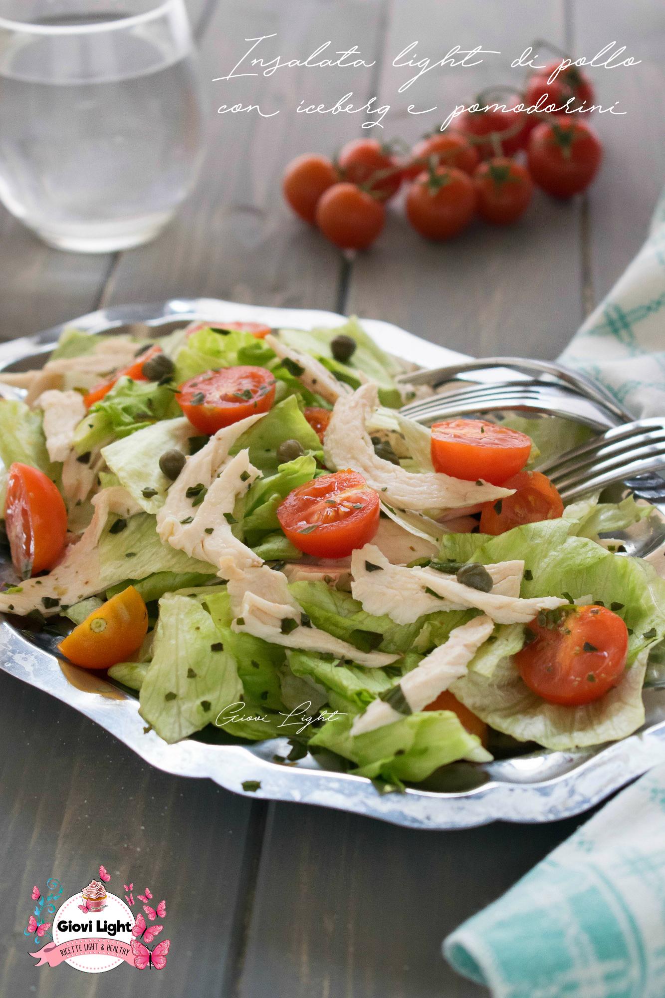 Insalata light di pollo con iceberg e pomodorini