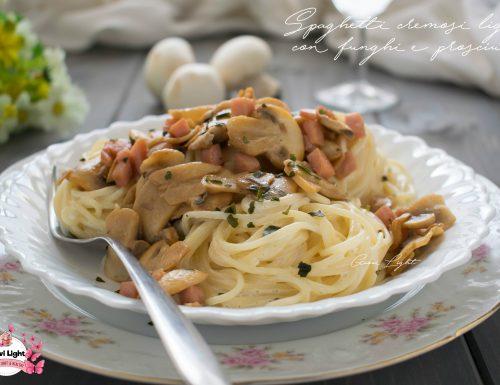 Spaghetti cremosi light con funghi e prosciutto