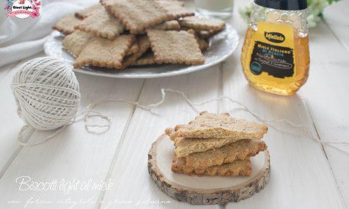 Biscotti light al miele con farina integrale e grano saraceno