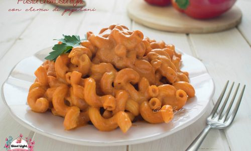 Pasta cremosa light con crema di peperoni