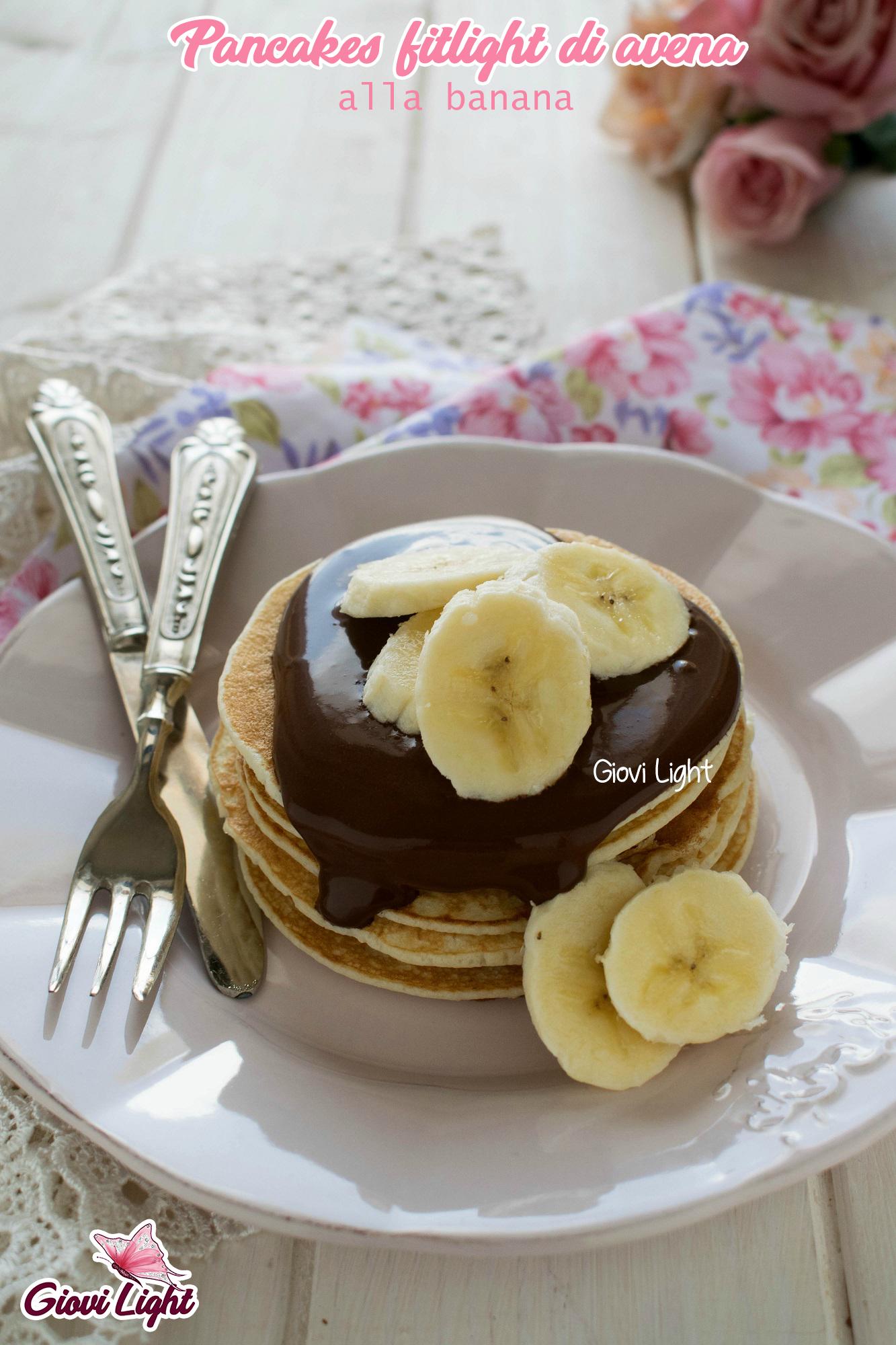 Pancakes fitlight di avena alla banana - senza grassi, zucchero e latticini