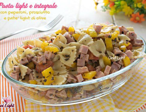 Pasta light e integrale con peperoni, prosciutto e patè light di olive