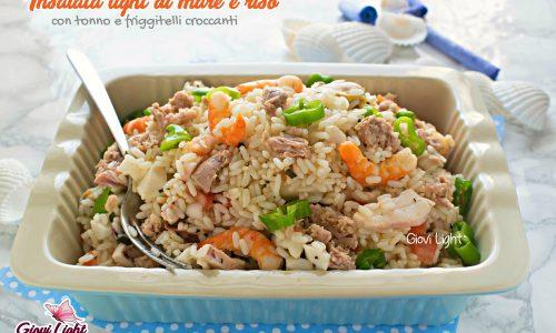 Insalata light di mare e riso con tonno e friggitelli croccanti