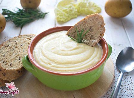 Vellutata light di verza e patate profumata al rosmarino con il bimby e senza