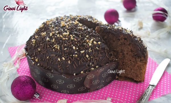 Torta panettone light al cioccolato, senza zucchero, burro e lievitazione – con il bimby e senza