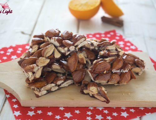 Croccante alle mandorle profumato d'arancia – con il bimby e senza