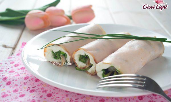Rotolini di tacchino light con zucchine grigliate e formaggio