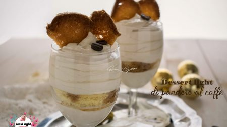 Dessert light di pandoro al caffè