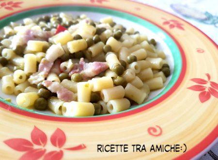 Pasta e piselli con pancetta croccante