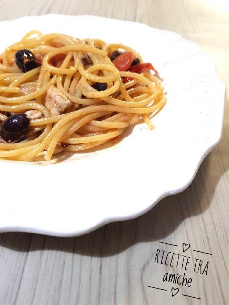 Spaghetti alici pomodorini e olive nere 1