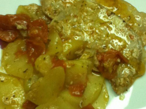 Arista con patate e pomodorini