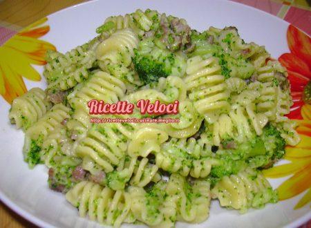 Radiatori con broccoletti e salsiccia