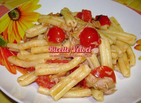 Caserecce con filetti di tonno e pomodorini piccadilly
