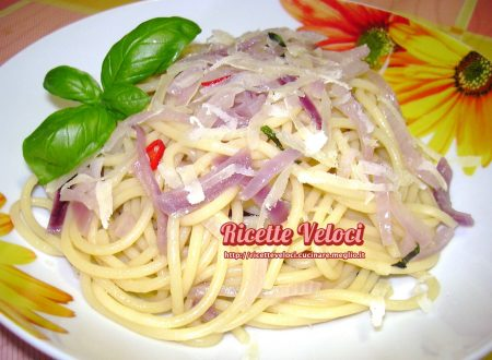 Spaghetti con cipolla rossa di Tropea e peperoncino