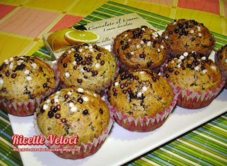Muffin soffici con cioccolato al limone