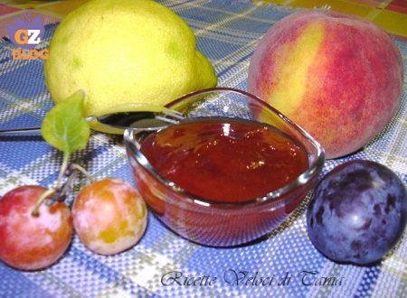Marmellata di prugne e pesche