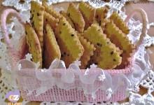 Crackers con semi di sesamo neri