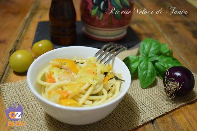 Spaghetti con pomodorini gialli