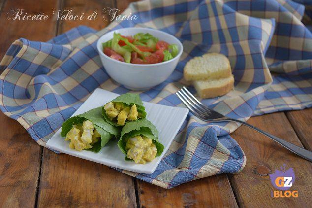 Involtini di lattuga con caesar salad di pollo